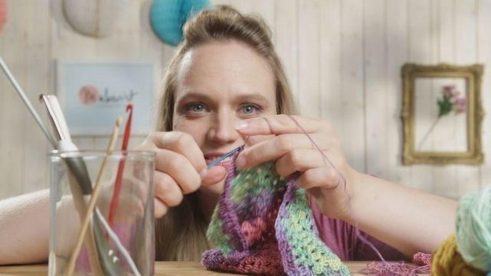 Des cours en ligne de qualité chez Makerist - Cours de base - le crochet pour les débutants - Apprendre le crochet