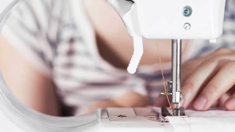 Des cours en ligne de qualité chez Makerist - Cours de couture de base : connaître sa machine à coudre