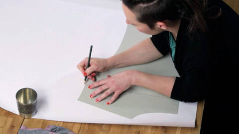 Des cours en ligne de qualité chez Makerist - Cours de patronnage - créez le patron de couture de votre tee-shirt préféré