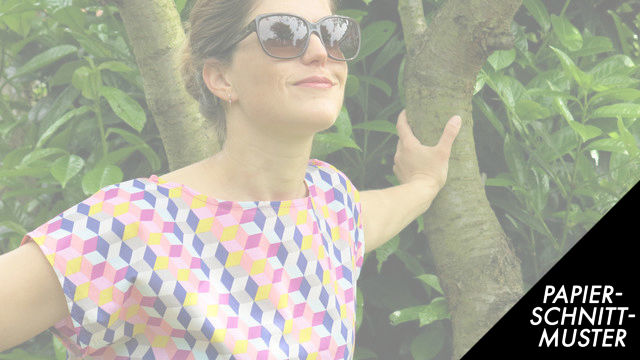 Gedrucktes Schnittmuster für: Lässige Sommerbluse aus Webware FrauFrida - Schnittmuster kaufen im Makerist Materialshop