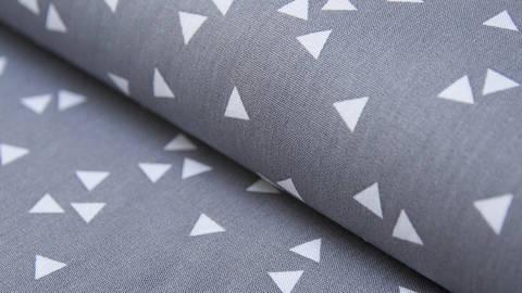 Grauweißer Dreieck Baumwollstoff: Triangle - 150 cm kaufen im Makerist Materialshop