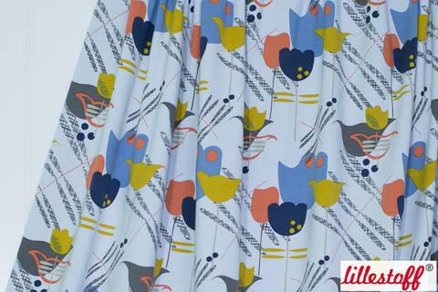 Acheter Jersey de coton gris clair lillestoff: Blomsteräng - 150 cm dans la mercerie Makerist