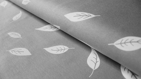 Grau bedruckter Baumwolljersey: Kenny Blätter - 155 cm kaufen im Makerist Materialshop