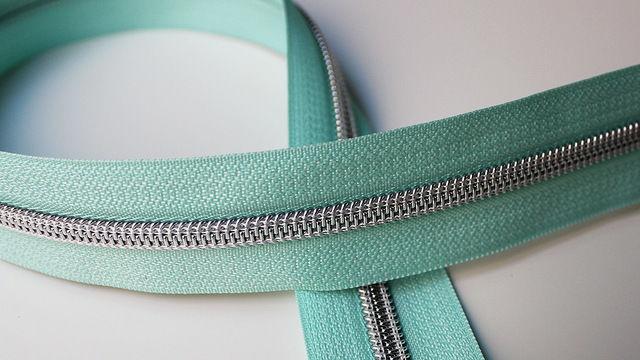 Acheter Fermeture à glissière turquoise : argent - Accessoires dans la mercerie Makerist