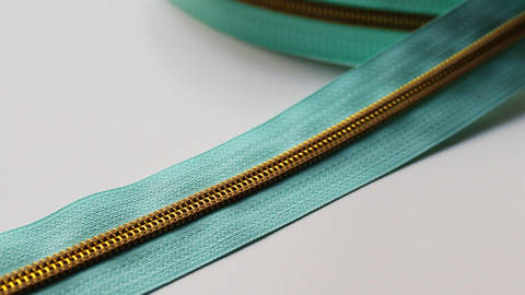buy Turquoise Zipper: Gold in the Makerist Supplies
