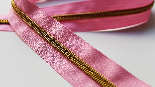 Acheter Fermeture à glissière rose : or - Accessoires dans la mercerie Makerist