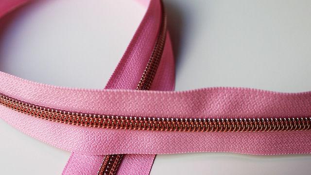 Acheter Fermeture à glissière rose : cuivre - Accessoires dans la mercerie Makerist