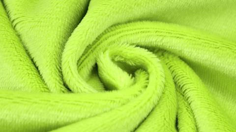 """Kuschelweicher Microfaserplüsch """"SHORTY"""" von kullaloo - grün kaufen im Makerist Materialshop"""