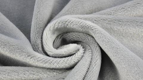 """Panne de velours microfibres pour peluches """"SHORTY"""" par kullaloo - gris kaufen im Makerist Materialshop"""