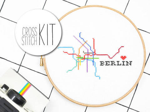Kreuzstich Stickset: Berlin - 20 cm kaufen im Makerist Materialshop