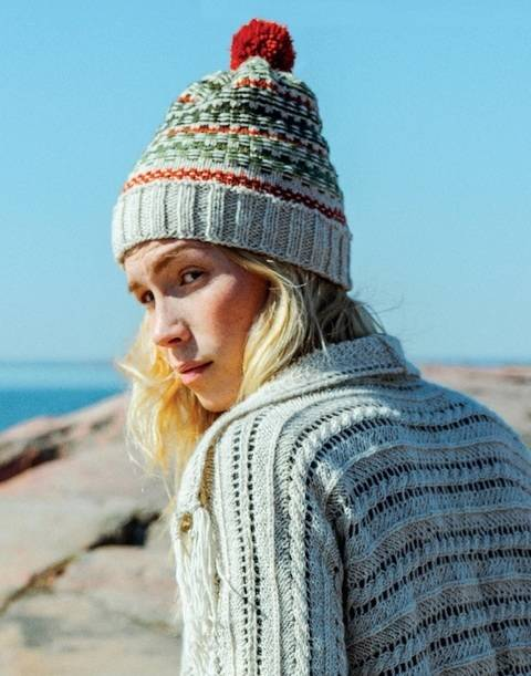 Novita Strickset Mütze mit Jacquard-Muster kaufen im Makerist Materialshop