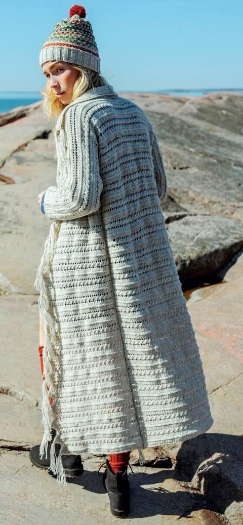 Novita Strickset Damenmantel mit Ajour-Muster S - XXL kaufen im Makerist Materialshop