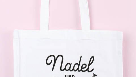 Stofftasche: Nadel und Faden kaufen im Makerist Materialshop