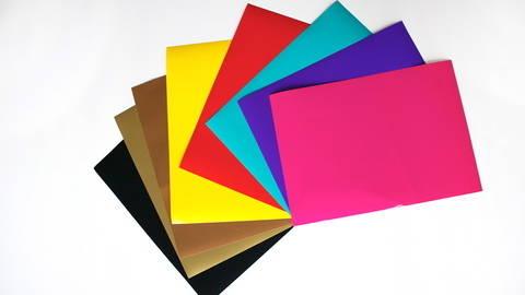 Glänzende Vinylfolie zum Plotten - DIN A4 kaufen im Makerist Materialshop