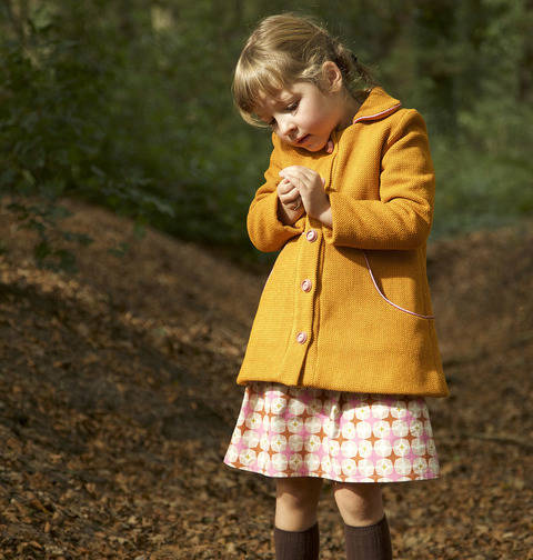 buy The Louisa Coat (Kids) Paper Sewing Pattern - Compagnie M. in the Makerist Supplies