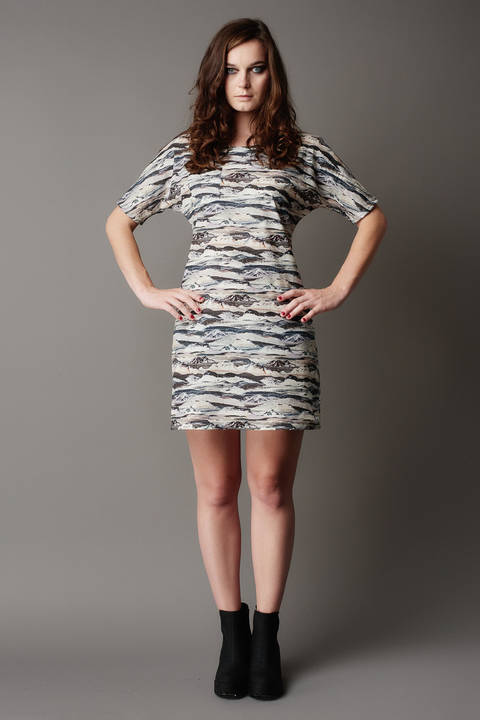 Acheter Patron pochette robe femme Arum par Deer&Doe dans la mercerie Makerist