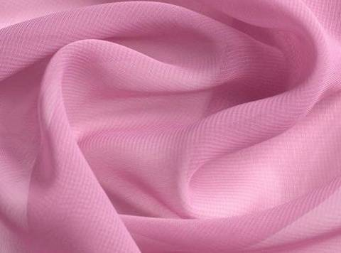 Rosafarbener Chiffon - 145 cm kaufen im Makerist Materialshop