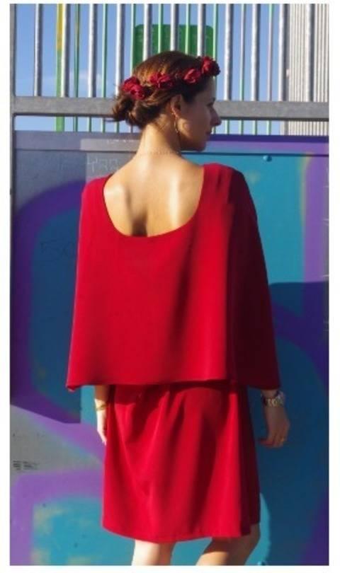 Acheter Patron pochette Robe cape Bonnie par Dessine moi un Patron dans la mercerie Makerist