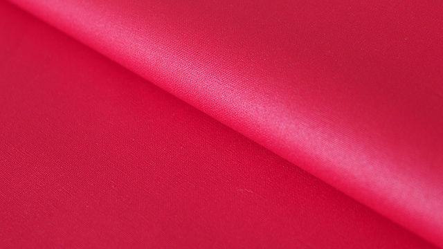 Rot beschichtetes Wachstuch: Luisa - 155 cm im Makerist Materialshop - Bild 1