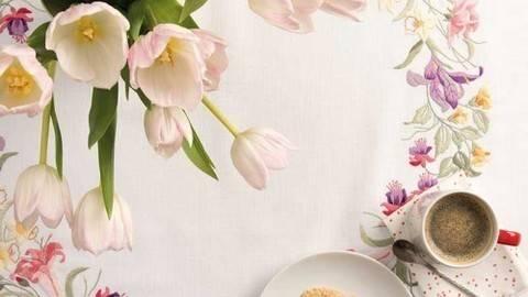 Stickpackung Deckchen: Frühlingskranz - 90 x 90 cm kaufen im Makerist Materialshop