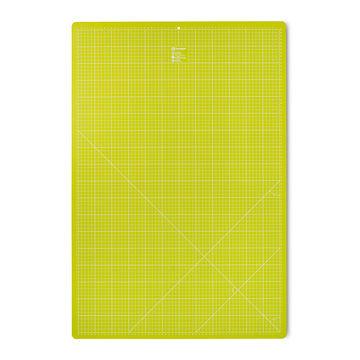 Schneideunterlage 60 x 90 cm cm/inch hellgrün - Kurzwaren und Zubehör kaufen im Makerist Materialshop