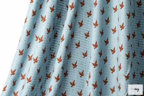 Hellblauer Bambusstoff lillestoff: Peace - 130 cm kaufen im Makerist Materialshop