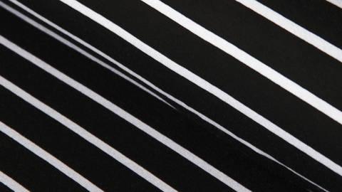 Schwarze Blockstreifen Viskosejersey: St. Tropez - 158 cm  kaufen im Makerist Materialshop