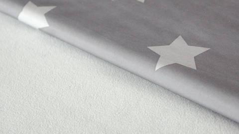 Grau bedruckter Softshell: Star - 150 cm kaufen im Makerist Materialshop
