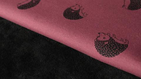 Bordeauxfarbener Happy Fleece: Igel - 150 cm kaufen im Makerist Materialshop