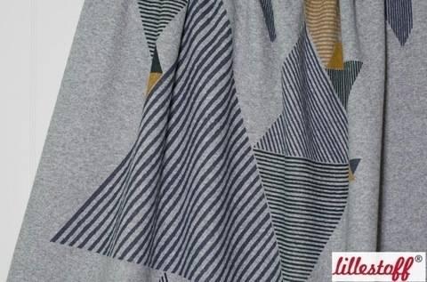 Grau gesteppter Baumwollstoff: Dreiecke - 160 cm kaufen im Makerist Materialshop