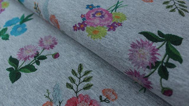 Grauer Sweatstoff gebürstet: Flowers - 155 cm - Stoffe kaufen im Makerist Materialshop