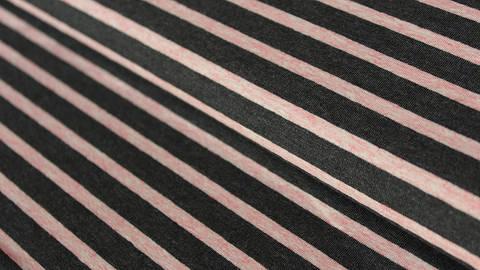 Anthrazit-rosafarben melierter Baumwolljersey: Yarn dyed Stripes - 150 cm kaufen im Makerist Materialshop