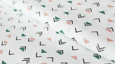 Weißer Baumwollstoff: Dreiecke - 150 cm kaufen im Makerist Materialshop