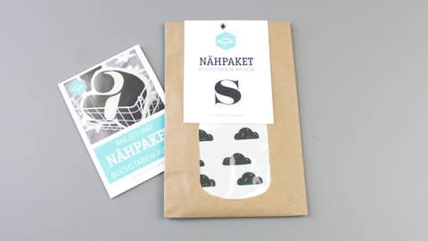Dekokissen: Buchstabe mit Wolken-Muster - s kaufen im Makerist Materialshop