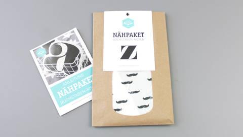 Dekokissen: Buchstabe mit Bärte-Muster - z kaufen im Makerist Materialshop
