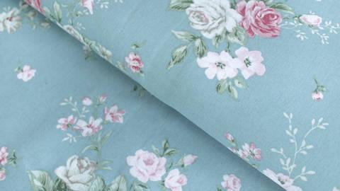 Mintfarbener Baumwollstoff: Vintage Roses - 112 cm kaufen im Makerist Materialshop