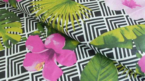 Baumwollstoff schwarz-weiß beschichtet: Hibiskus - 155 cm kaufen im Makerist Materialshop