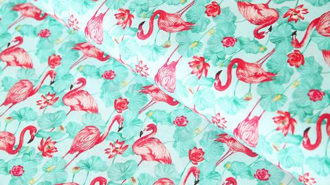 Mintfarbener Baumwollstoff: Flamingos - 160 cm kaufen im Makerist Materialshop