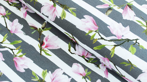 Grau-weiß bedruckter Baumwolljersey: Kirschblüten - 160 cm kaufen im Makerist Materialshop