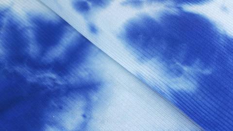 Royalblauer Ripp-Viskosejersey: Tie Dye - 145 cm kaufen im Makerist Materialshop