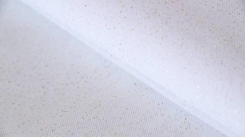 Weißes Tüllgewebe: Glitzer - 160 cm kaufen im Makerist Materialshop