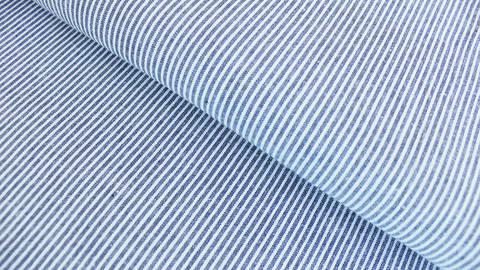 Navyblau-weißer garngefärbter Baumwollstoff: Streifen - 137 cm kaufen im Makerist Materialshop