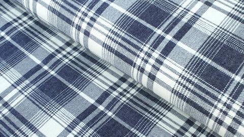 Baumwollstoff dunkelblau-weiß: Denim Karomuster - 145 cm kaufen im Makerist Materialshop