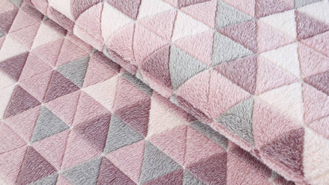 Jacquard Fleece rosa: Dreiecke - 150 cm kaufen im Makerist Materialshop