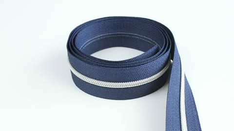 Endlosreißverschluss: silber-marineblau - 4 mm kaufen im Makerist Materialshop