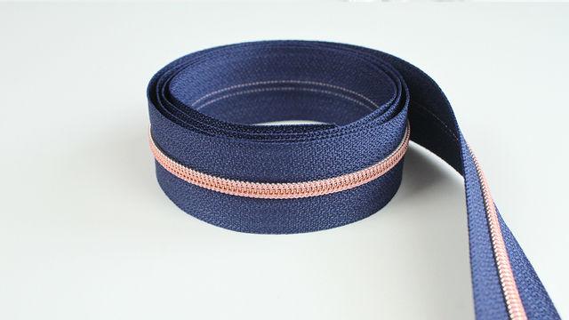 Endlosreißverschluss: kupfer-marineblau - 4 mm  - Kurzwaren und Zubehör kaufen im Makerist Materialshop