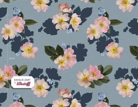 Lillestoff Bio-Summersweat rauchblau: English Garden - 160 cm kaufen im Makerist Materialshop