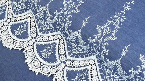 Jeansstoff hellblau: Stickerei - 145 cm kaufen im Makerist Materialshop