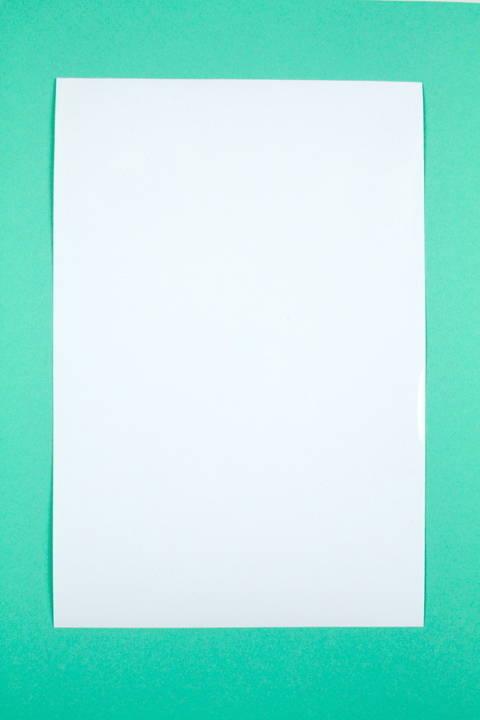 Adhäsionsfolie weiß opak - 20 cm x 30 cm kaufen im Makerist Materialshop