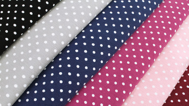 Acheter Jersey de coton à pois blancs: Verena à pois - 160cm - Tissus dans la mercerie Makerist
